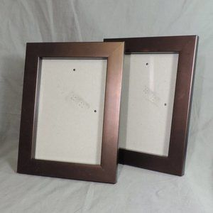 2 BROWN PICTURE FRAMES 5X7